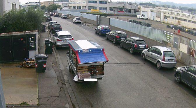 Abbandono di rifiuti in via Guido Rossa a Comeana, trasgressori incastrati dalle fototrappole